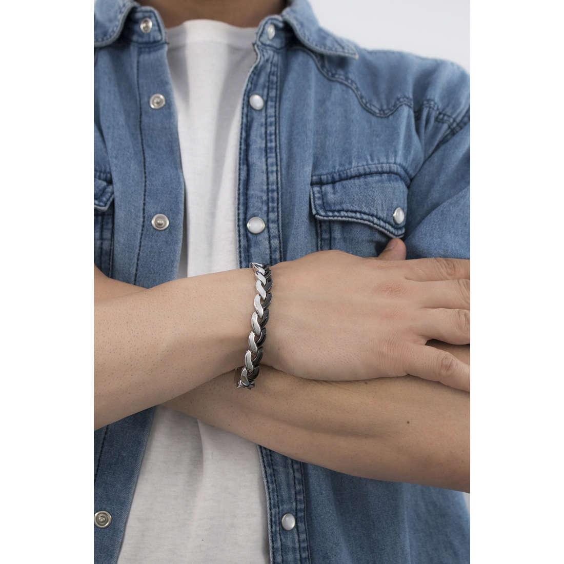 Brosway bracelets Viper homme BVP12 photo wearing