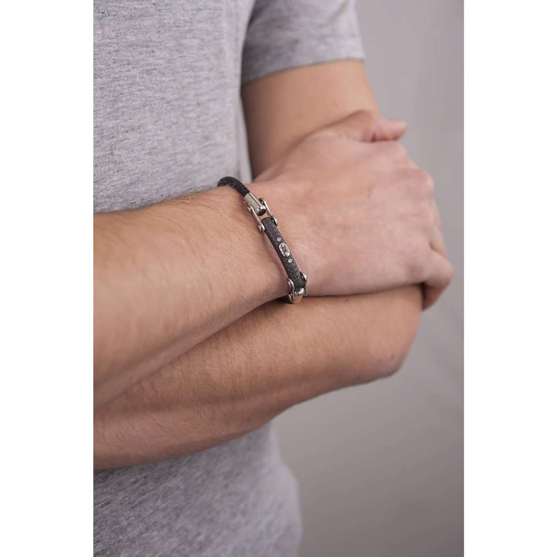 Comete bracelets 8Cilindri homme UBR 707 indosso