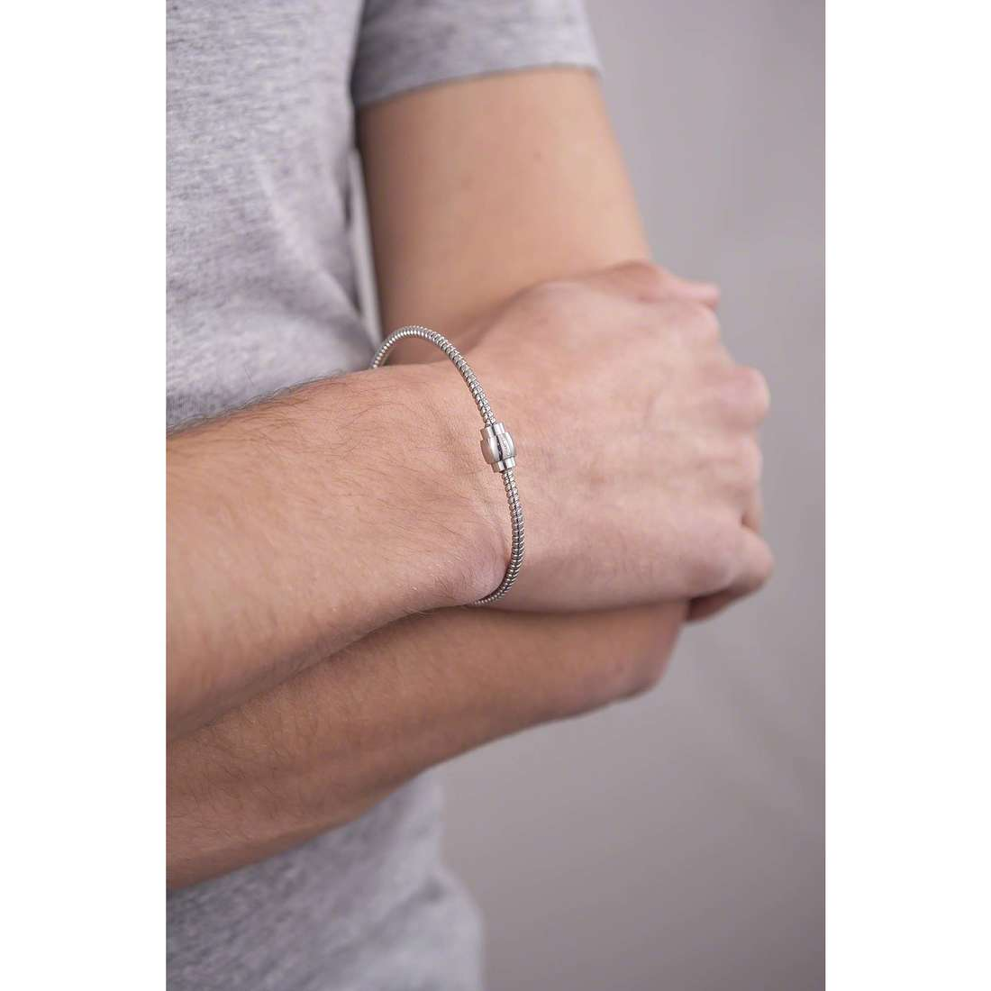 Comete bracelets Fahrenheit homme UBR 591 indosso