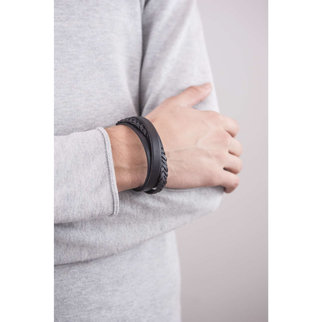 Fossil bracelets Holiday 15 homme JF02079040 indosso