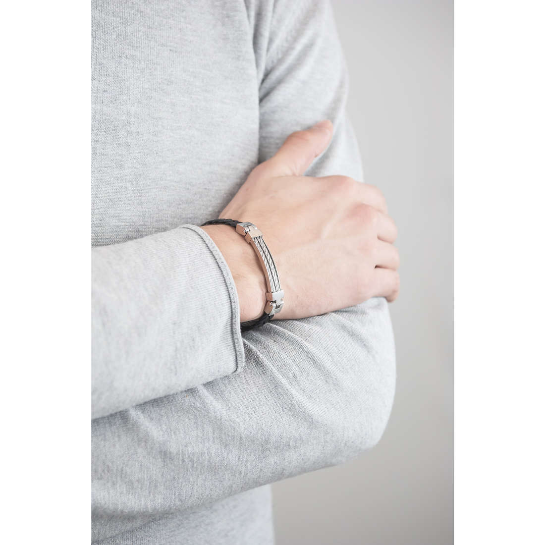 Sector bracelets Impact homme SLI37 indosso