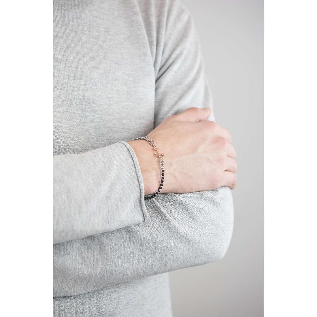 Sector bracelets homme SADQ09 indosso