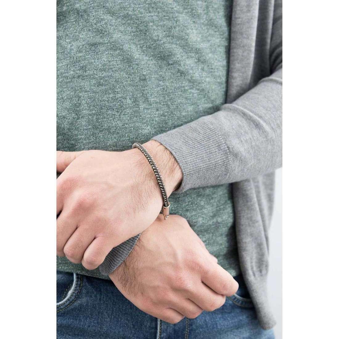 Breil bracelets B Hook man TJ1528 indosso