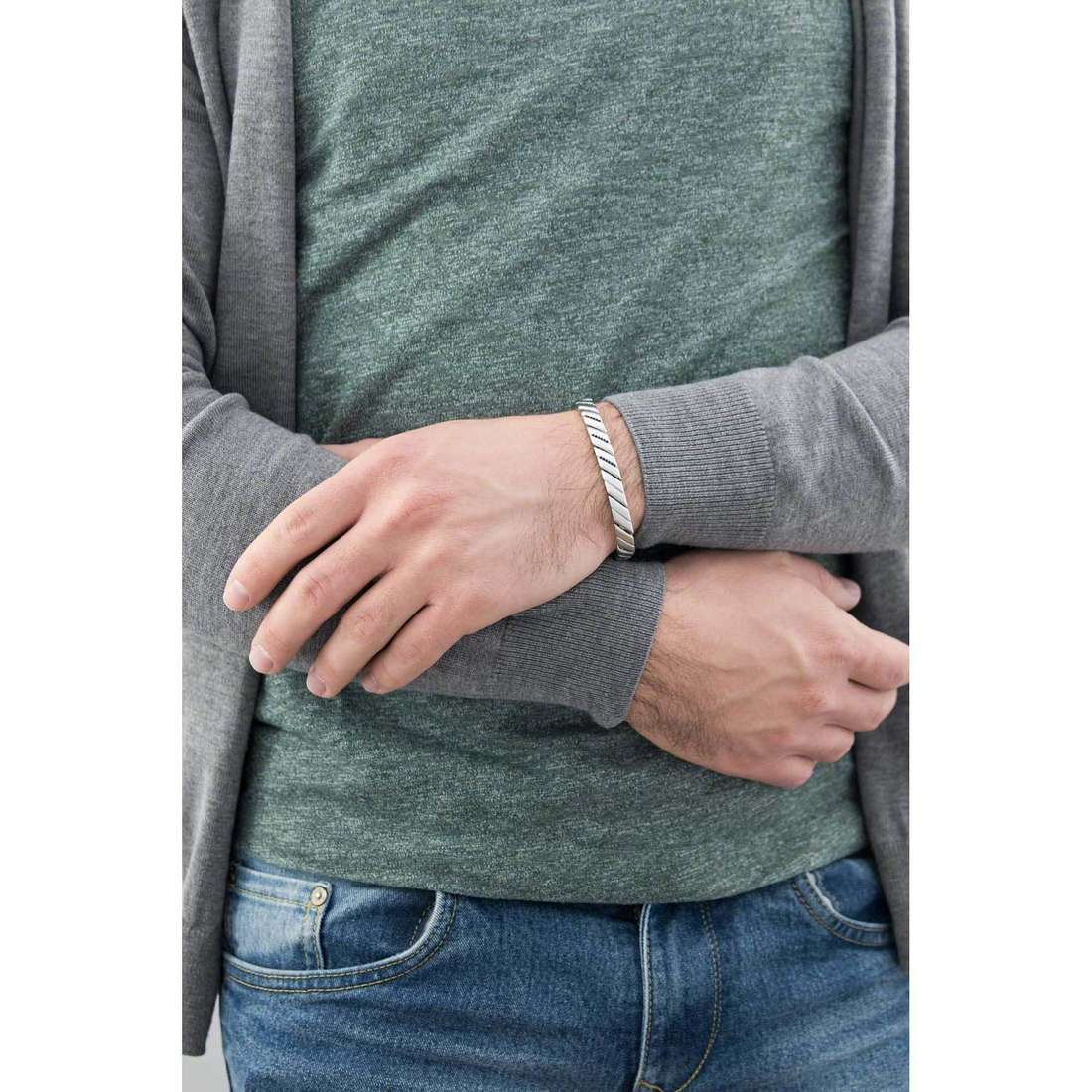 Breil bracelets Cross Cut man TJ1532 indosso
