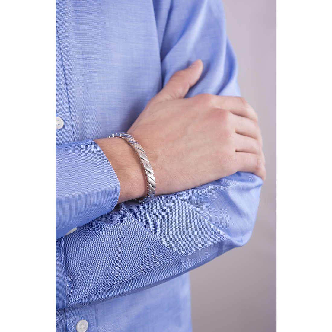 Breil bracelets Cross Cut man TJ1534 indosso