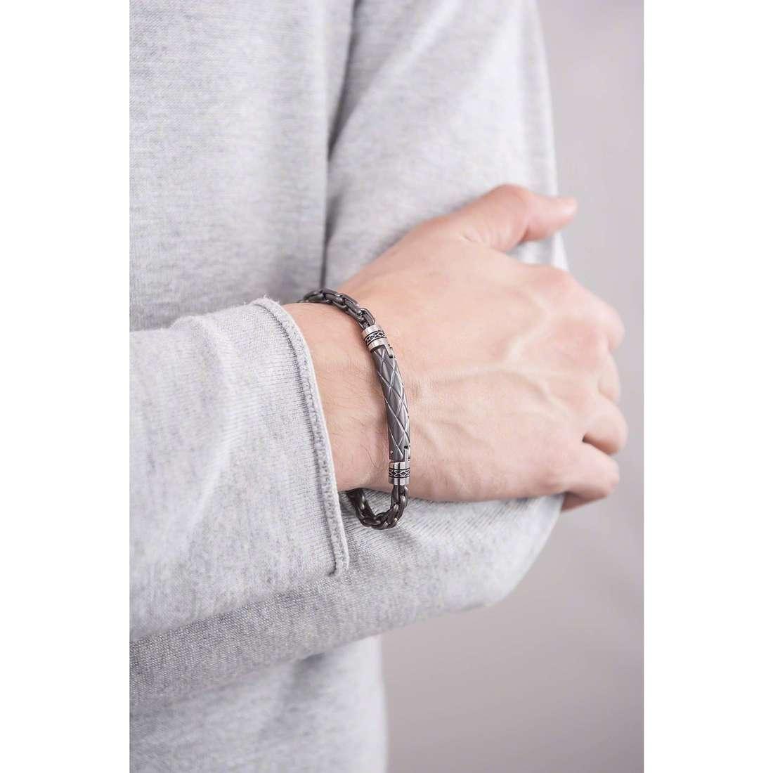 Brosway bracelets Cheyenne man BCY20 indosso