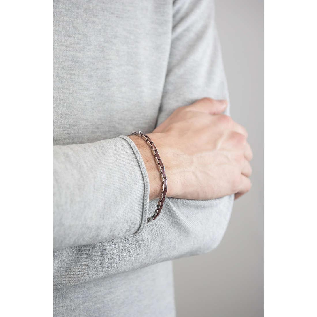 Brosway bracelets Elegance man BEG07 indosso