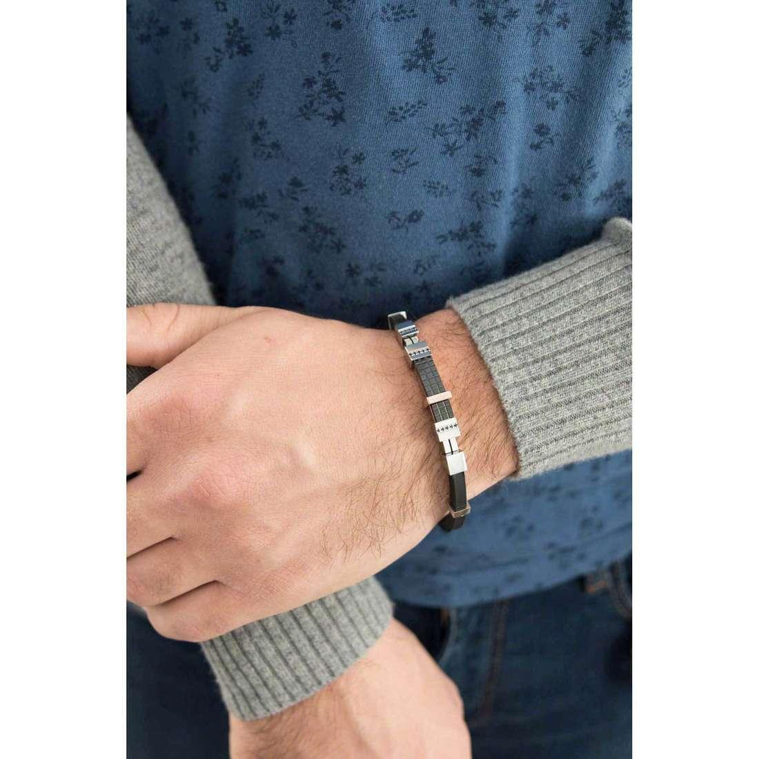 Comete bracelets Scacchi man UBR 395 indosso