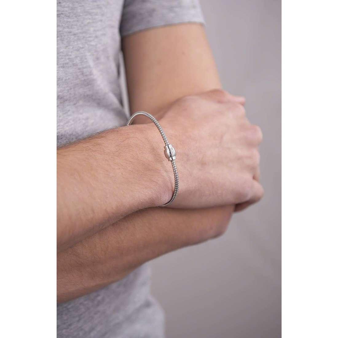 Comete bracelets Fahrenheit man UBR 591 indosso
