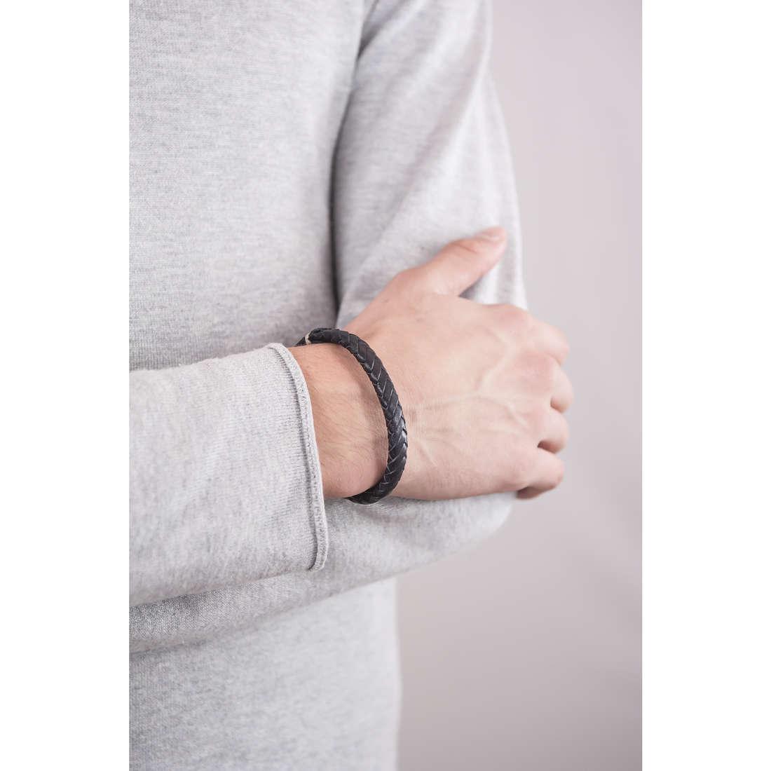 Fossil bracelets Spring 13 man JA5936716 indosso