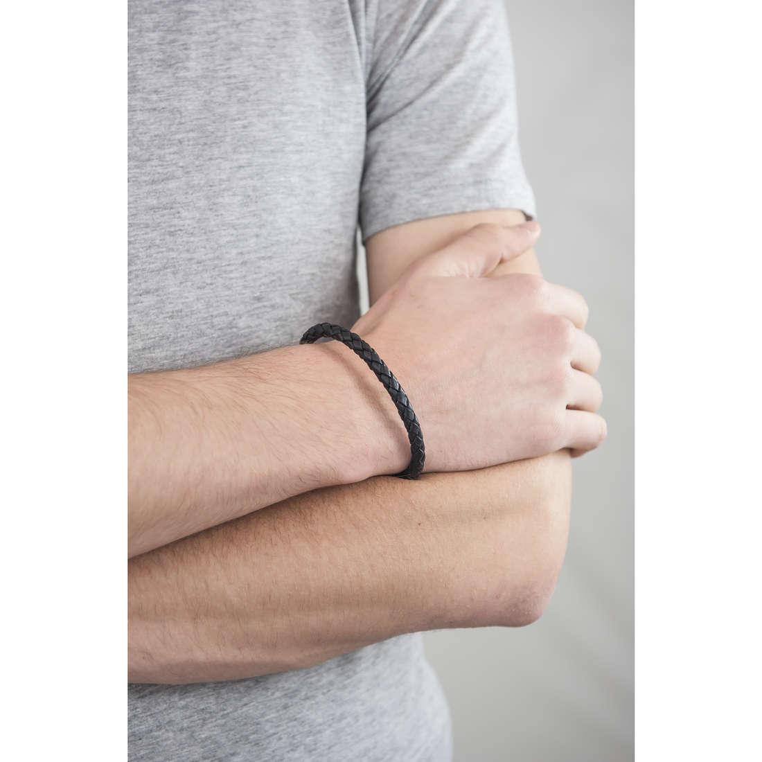 Fossil bracelets Spring 13 man JF00510797 indosso