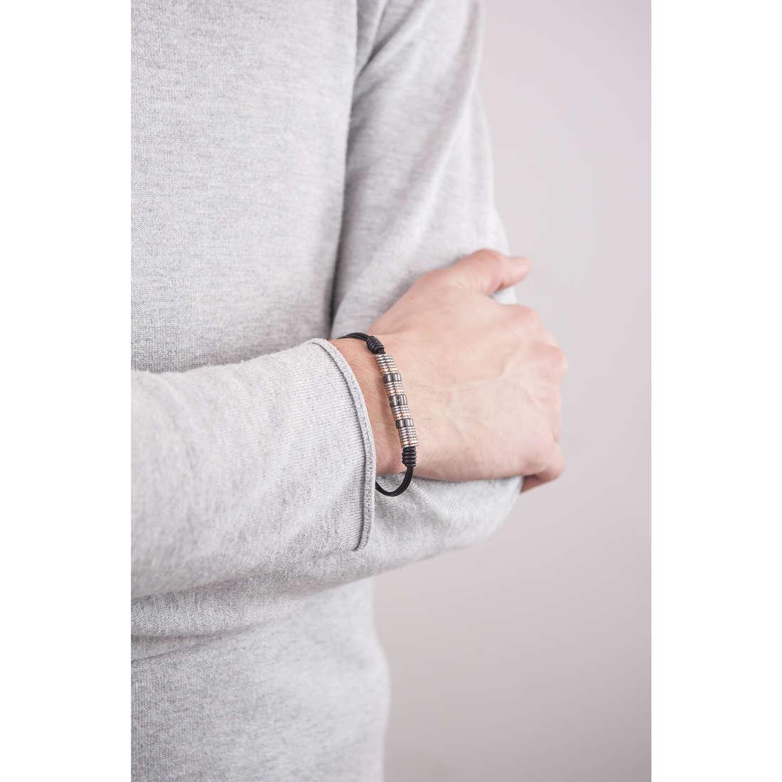 Fossil bracelets Spring 15 man JF01654998 indosso