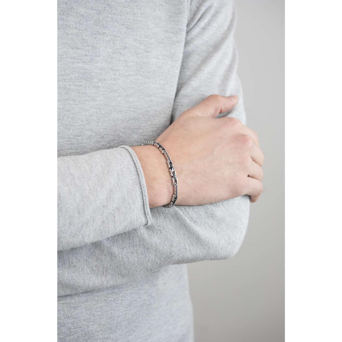 Sector bracelets Ceramic man SAFR03 indosso