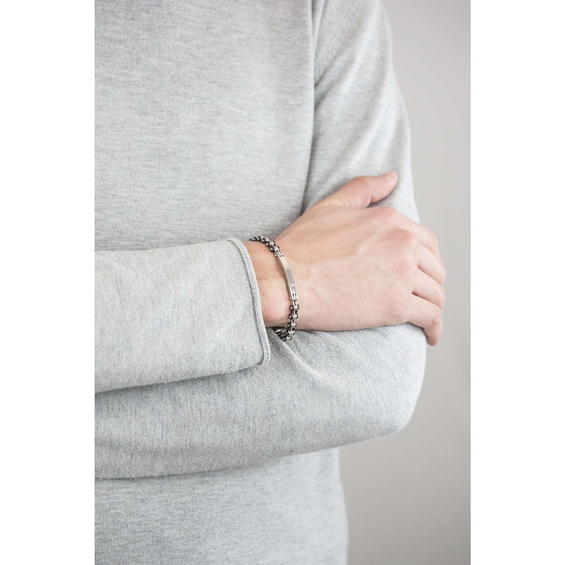 Sector bracelets Energy man SAFT02 indosso