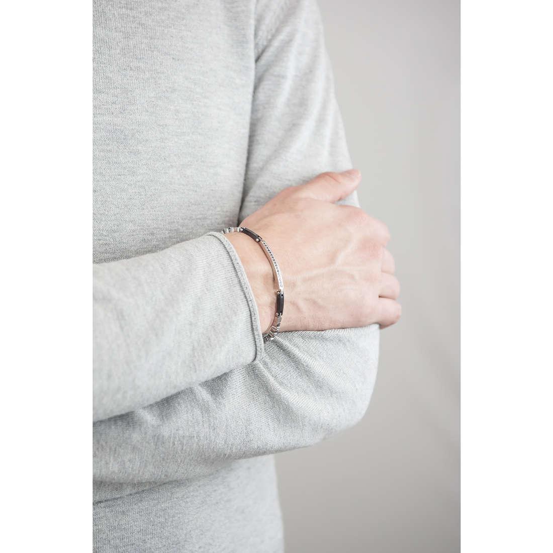 Sector bracelets Energy man SAFT07 indosso