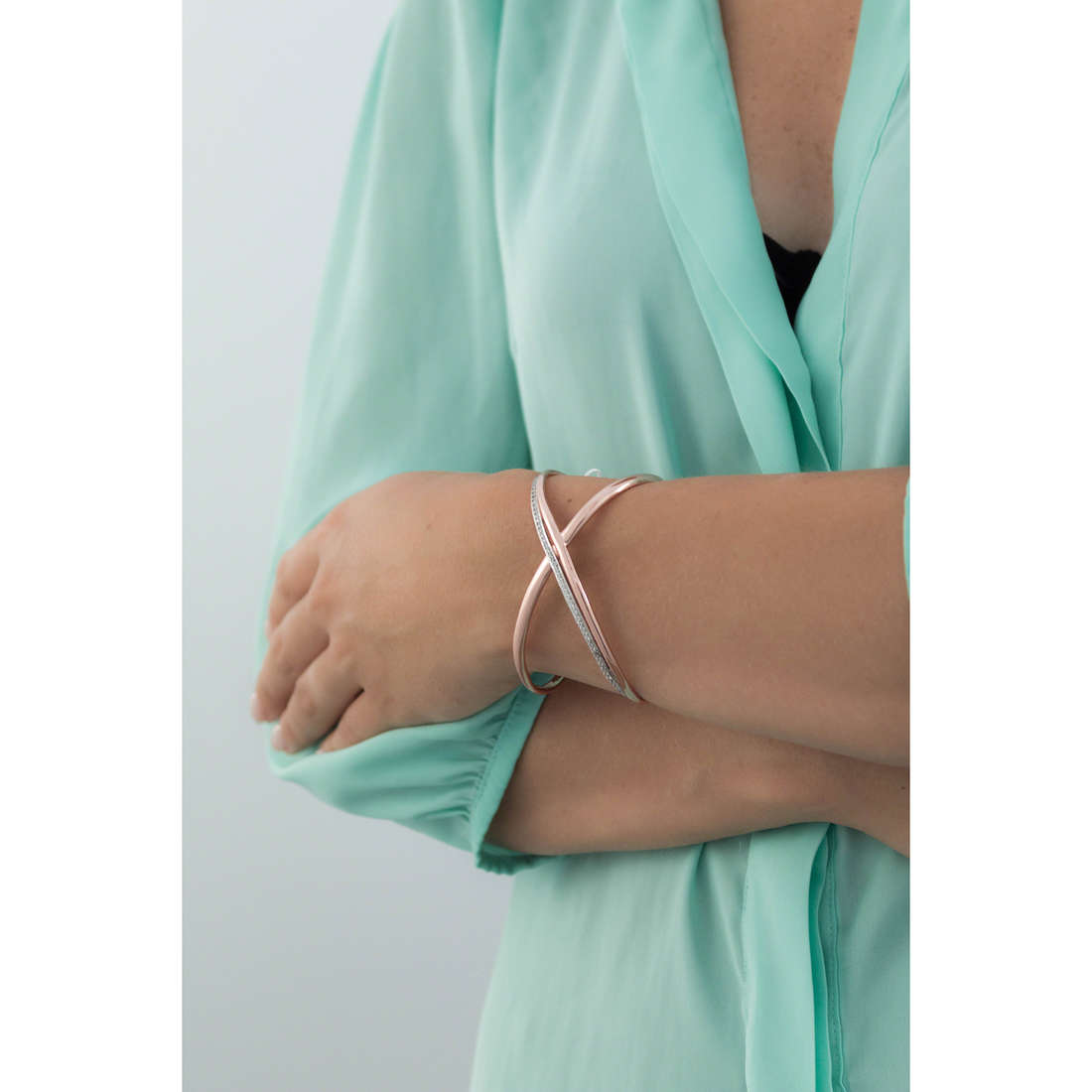 Brosway bracelets Ribbon woman BBN12 indosso
