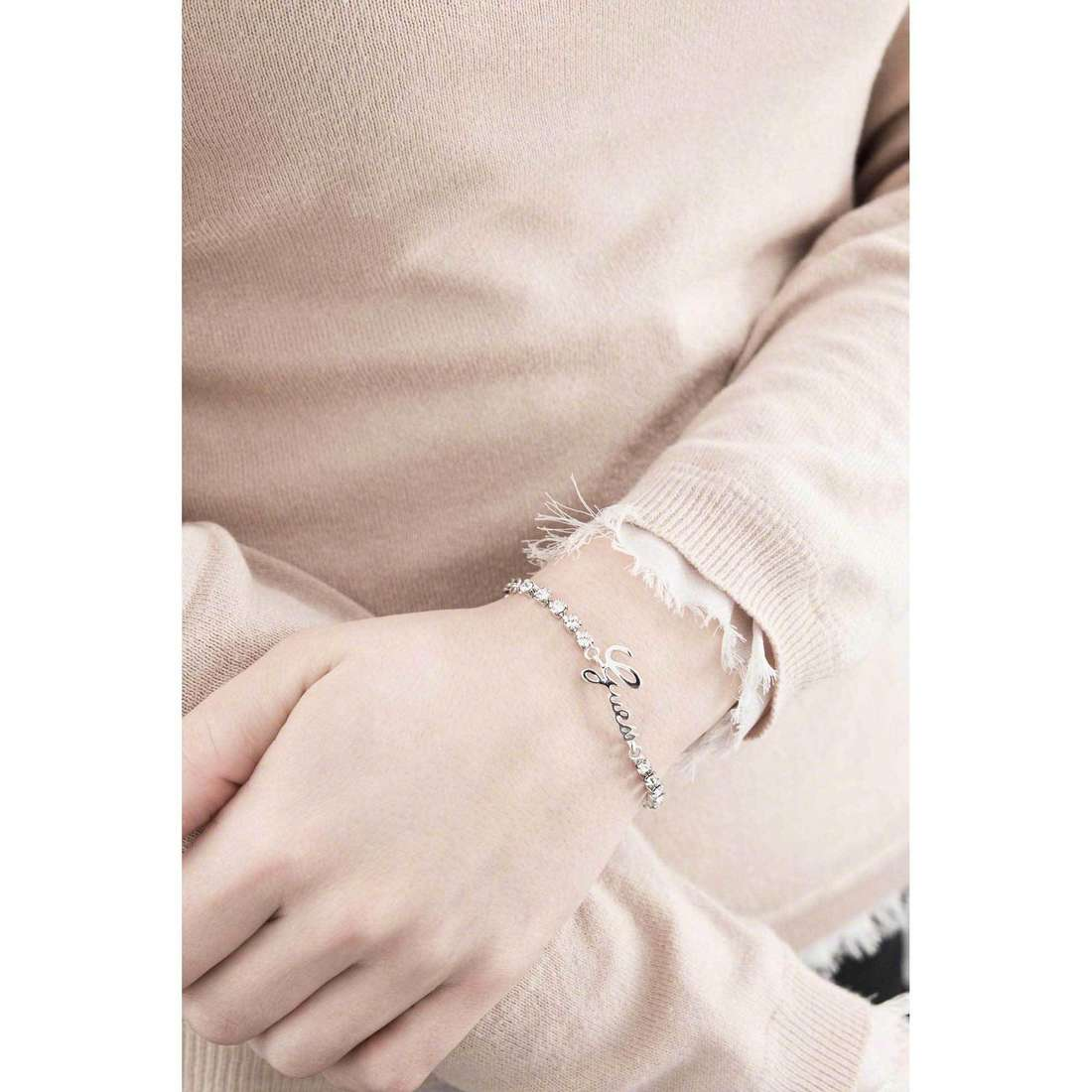 Guess bracelets Boxset woman UBS21501-S indosso