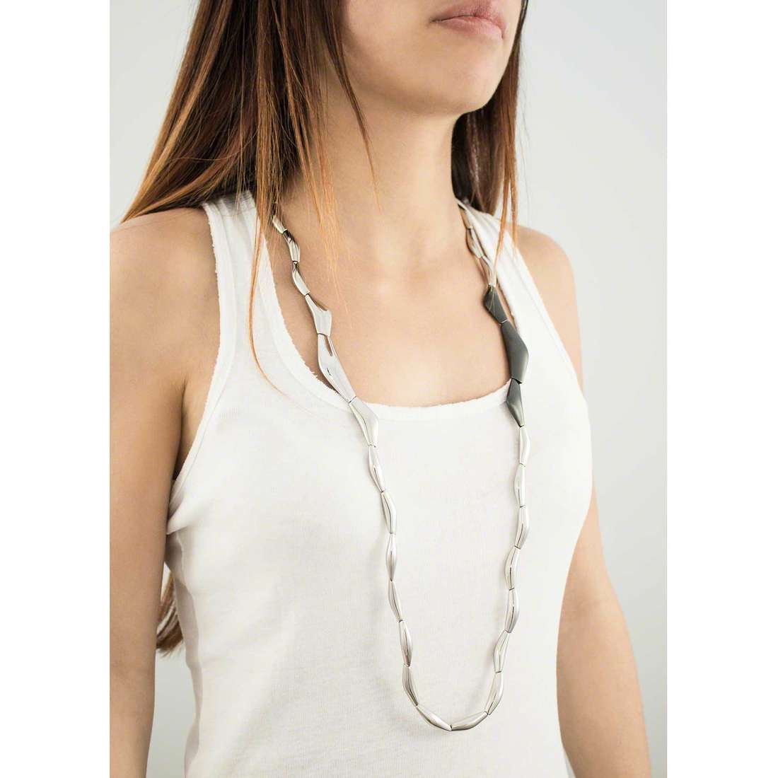 Breil collane Flowing donna TJ1819 indosso