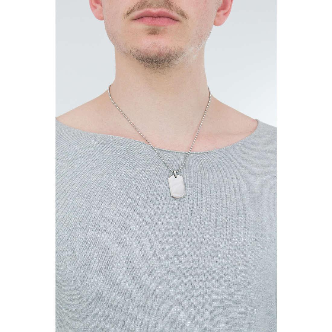 Morellato collane Cross uomo SAHU03 indosso