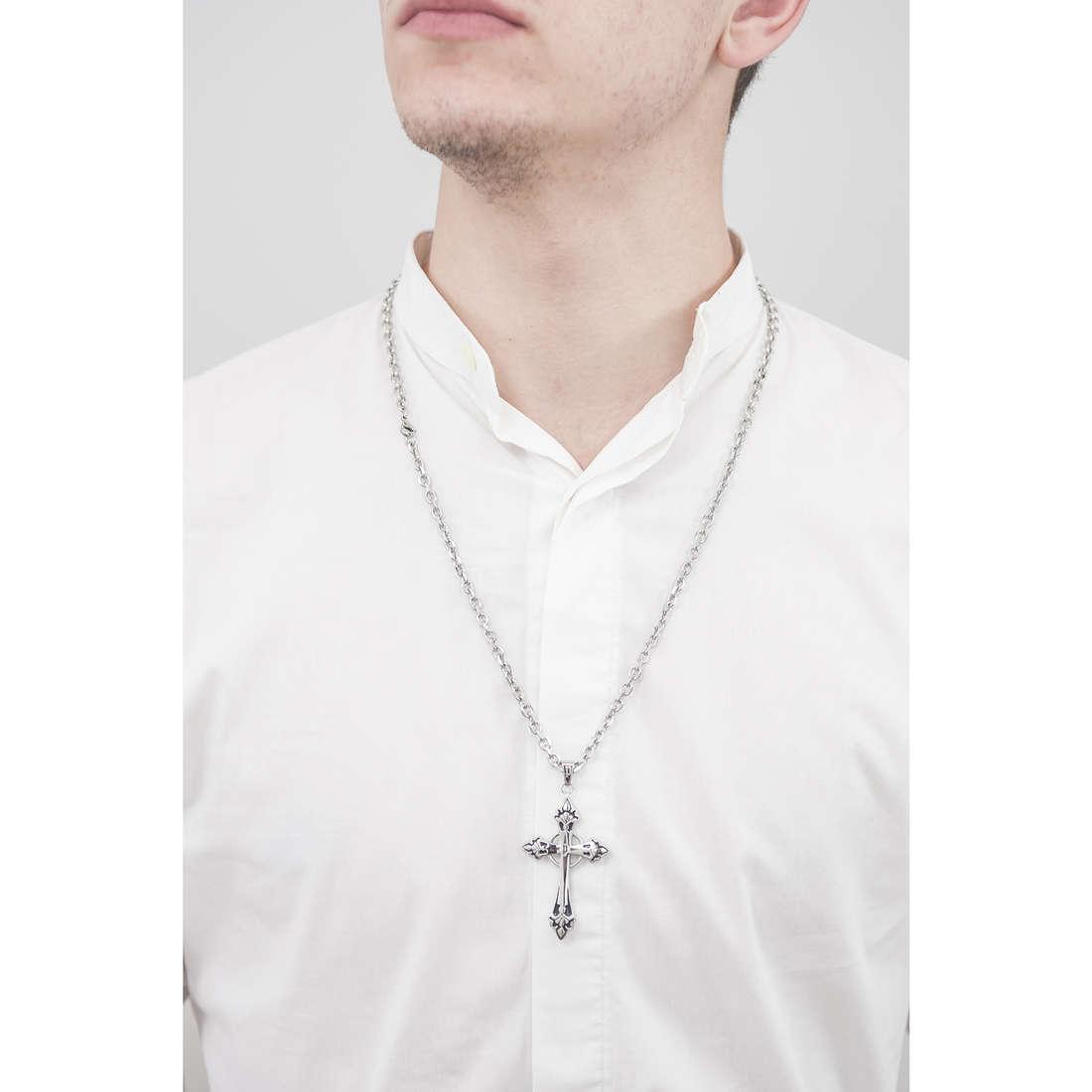 Police collane Blessing uomo S14AEB01P indosso