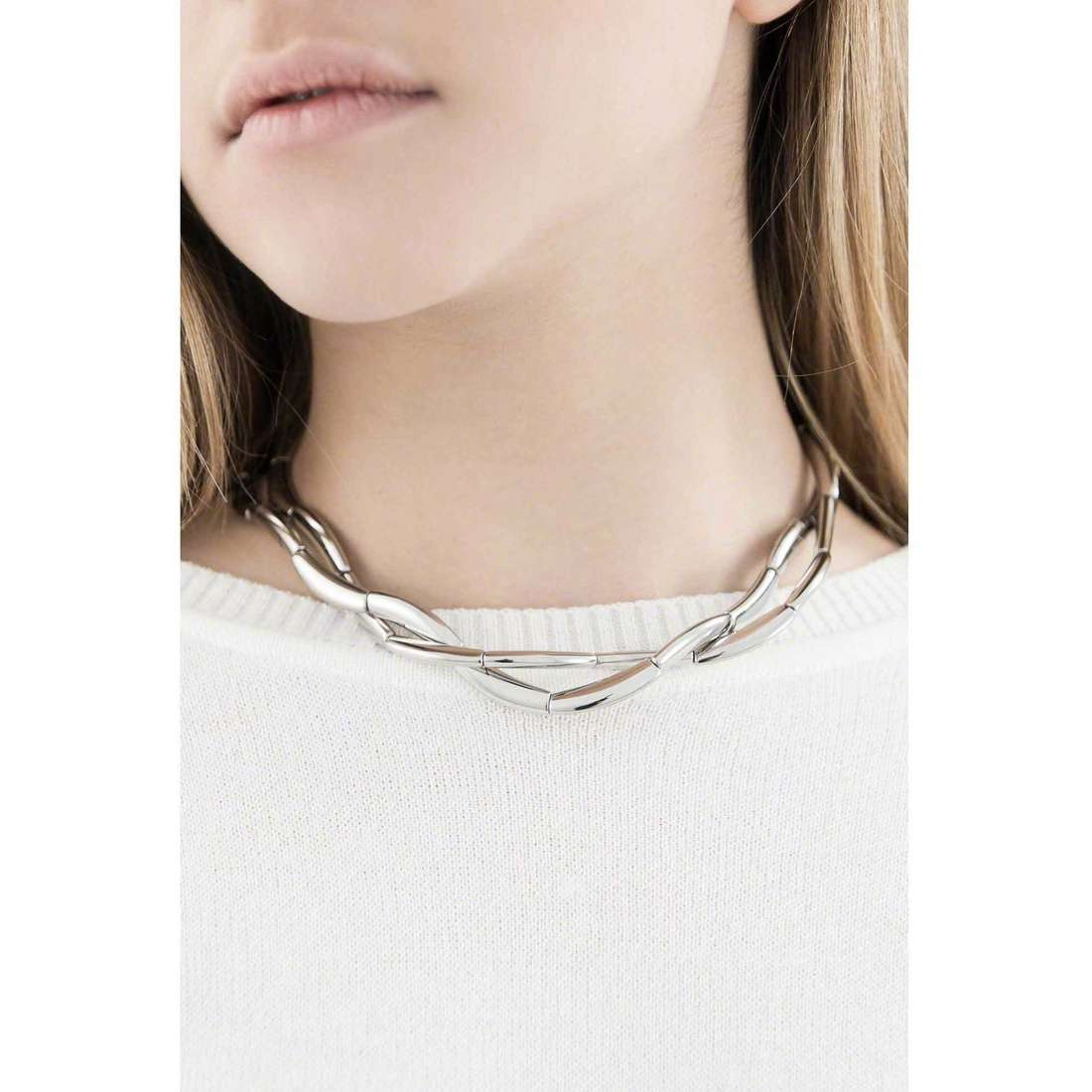 Breil colliers Flowing femme TJ1094 indosso