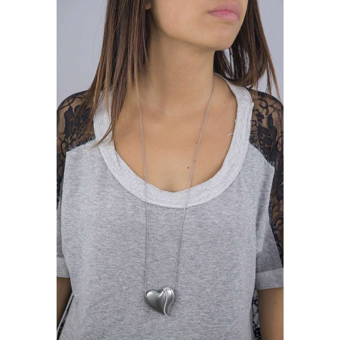 Breil colliers HeartBreaker femme TJ1551 indosso