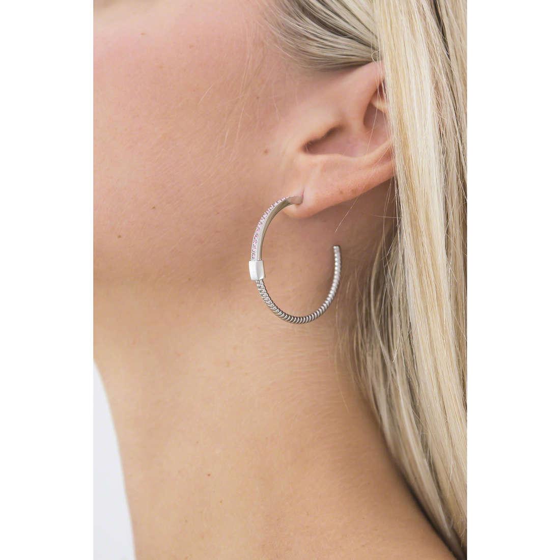 Breil earrings Torsion woman TJ1714 indosso