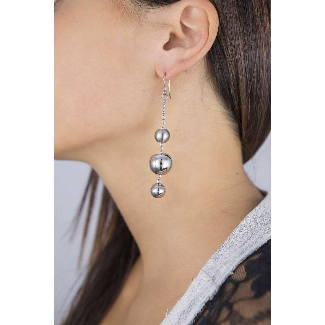 Breil earrings Chaos woman TJ0916 indosso