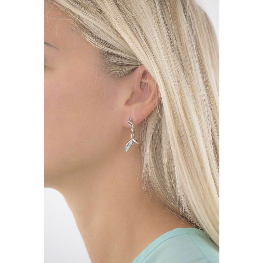Breil earrings woman TJ1952 indosso