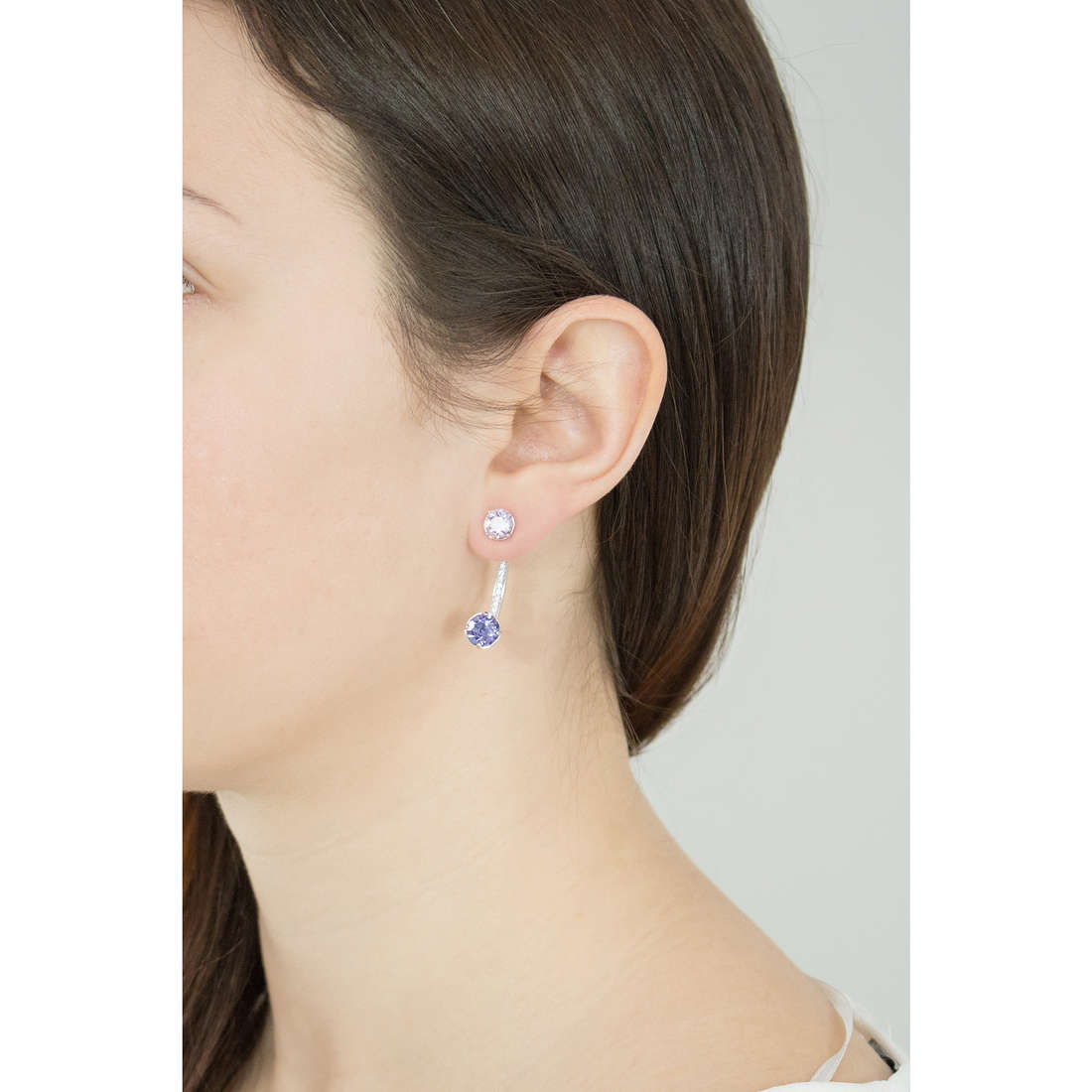 Brosway earrings Affinity woman BFF24 photo wearing