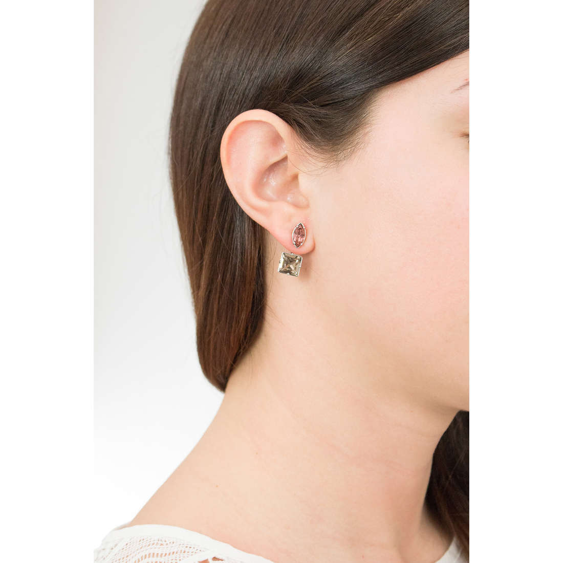 Brosway earrings Affinity woman BFF47 photo wearing