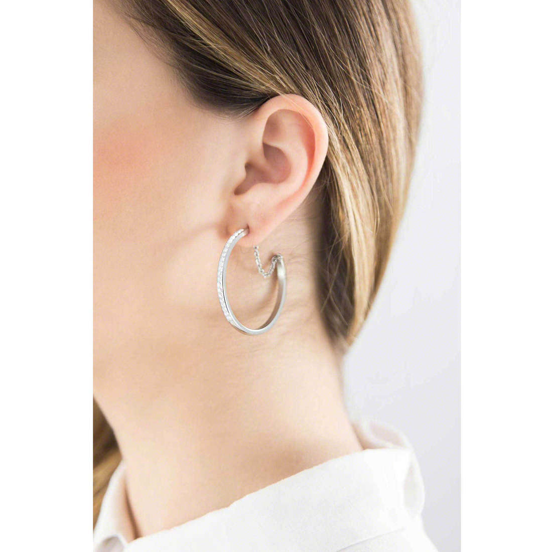 Brosway earrings Btring woman BER25 indosso