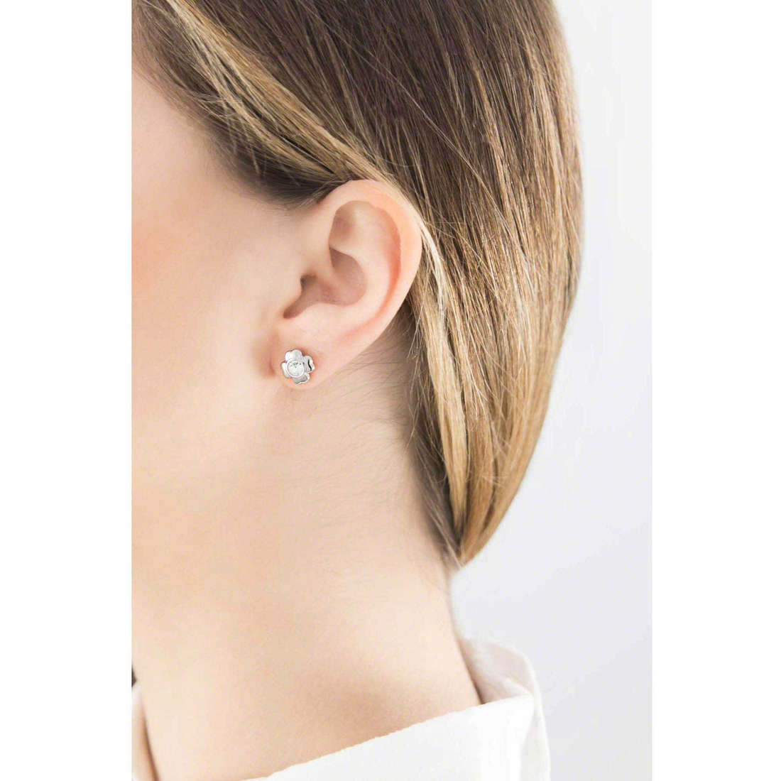 Brosway earrings Epsilon woman BEO21 indosso