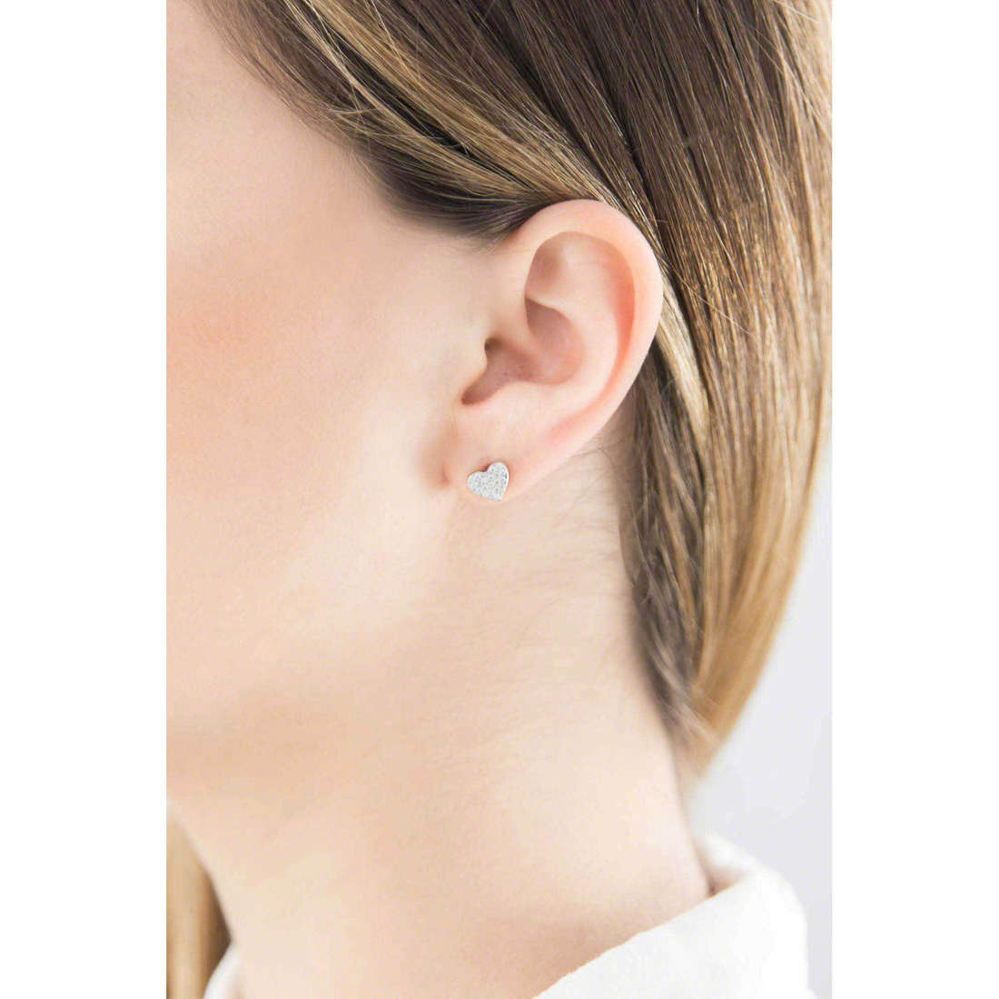 Brosway earrings Icons woman G9IS23 indosso