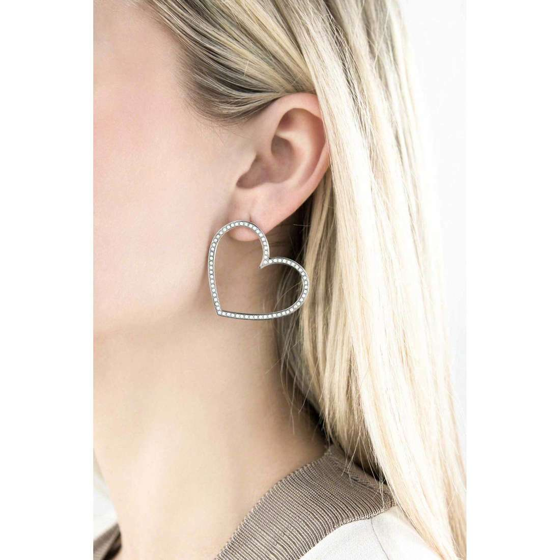 Brosway earrings Minuetto woman BMU21 indosso