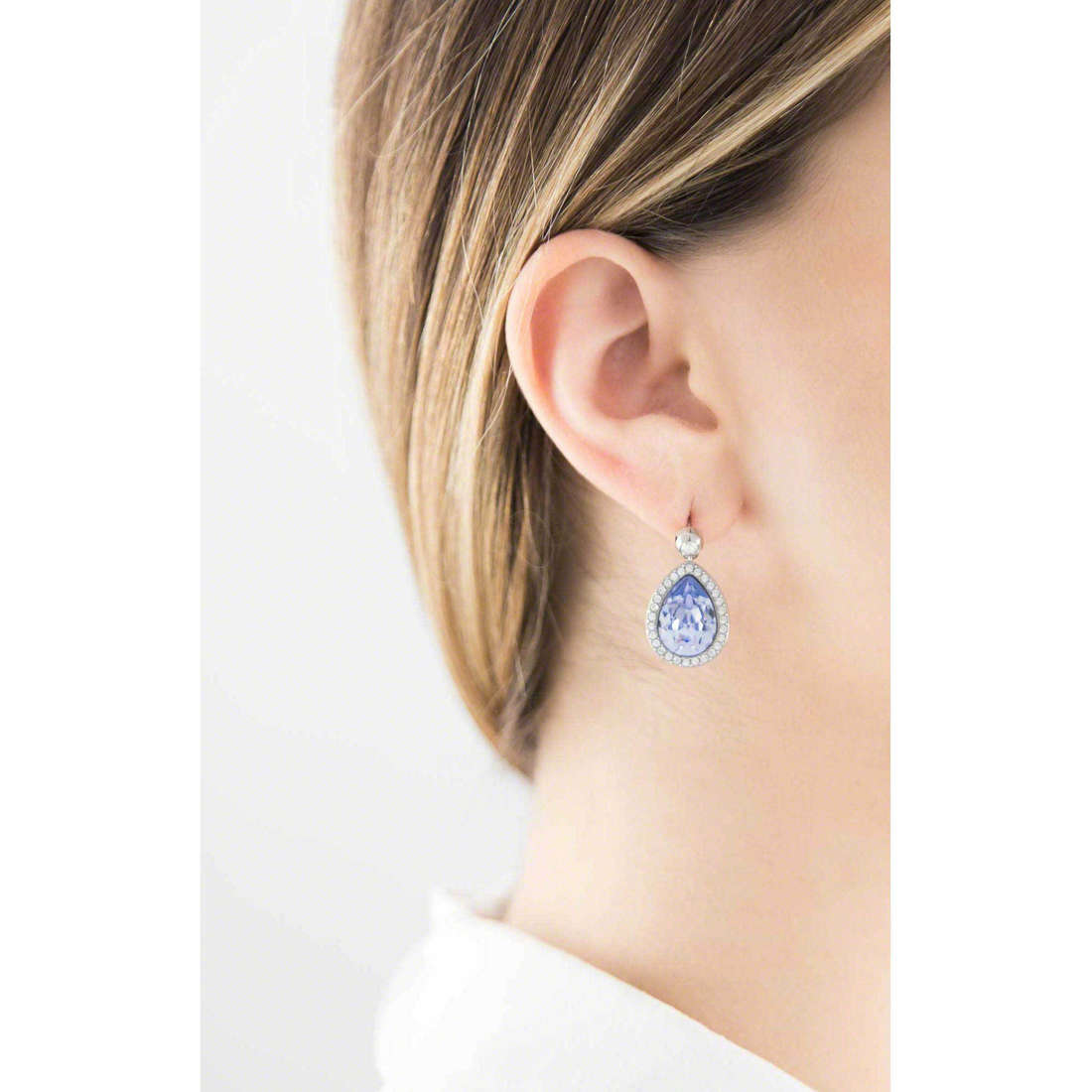 Brosway earrings Tear woman BTX21 indosso