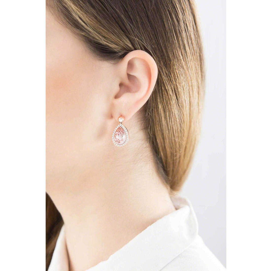 Brosway earrings Tear woman BTX23 indosso
