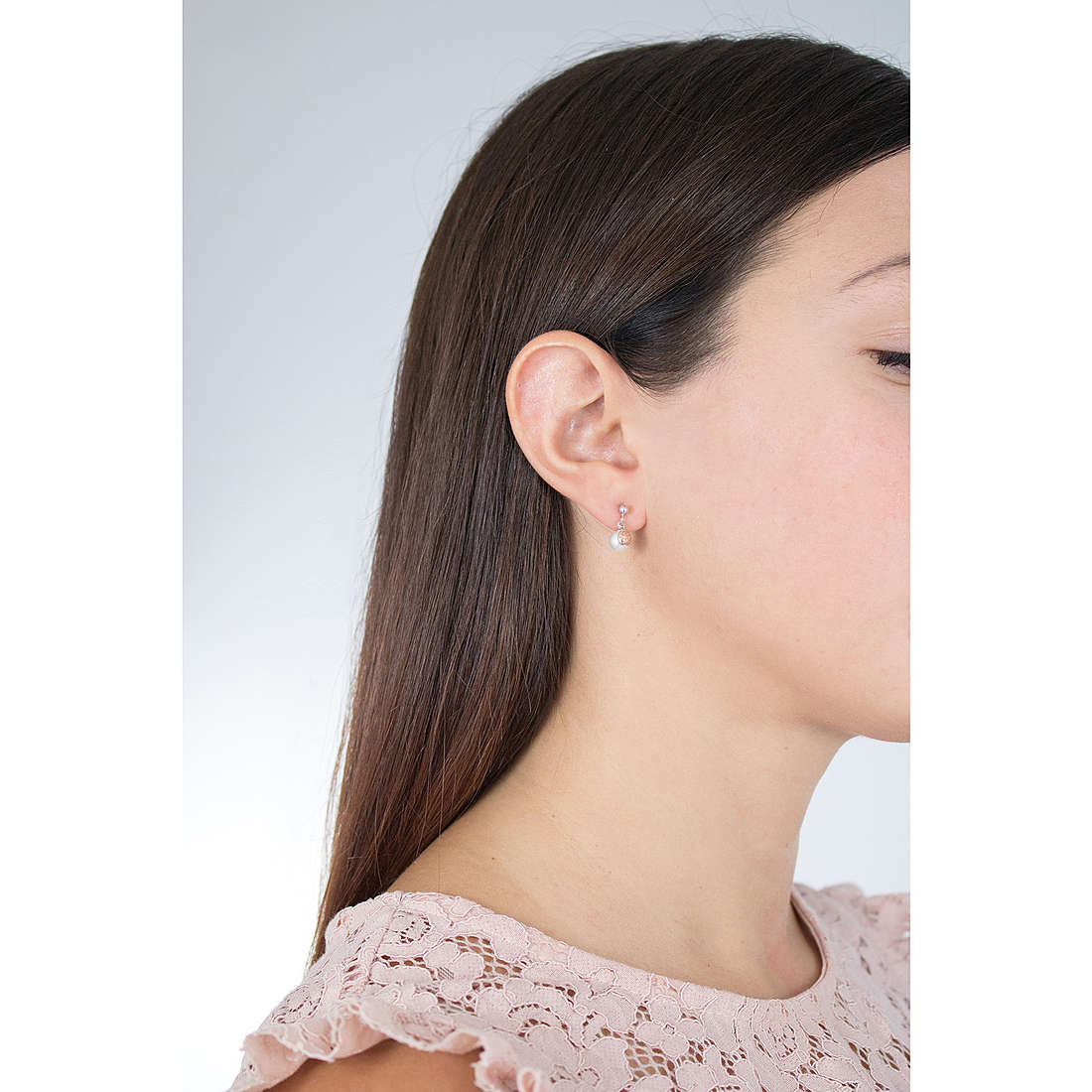 Comete earrings Cerimony woman ORP 651 photo wearing
