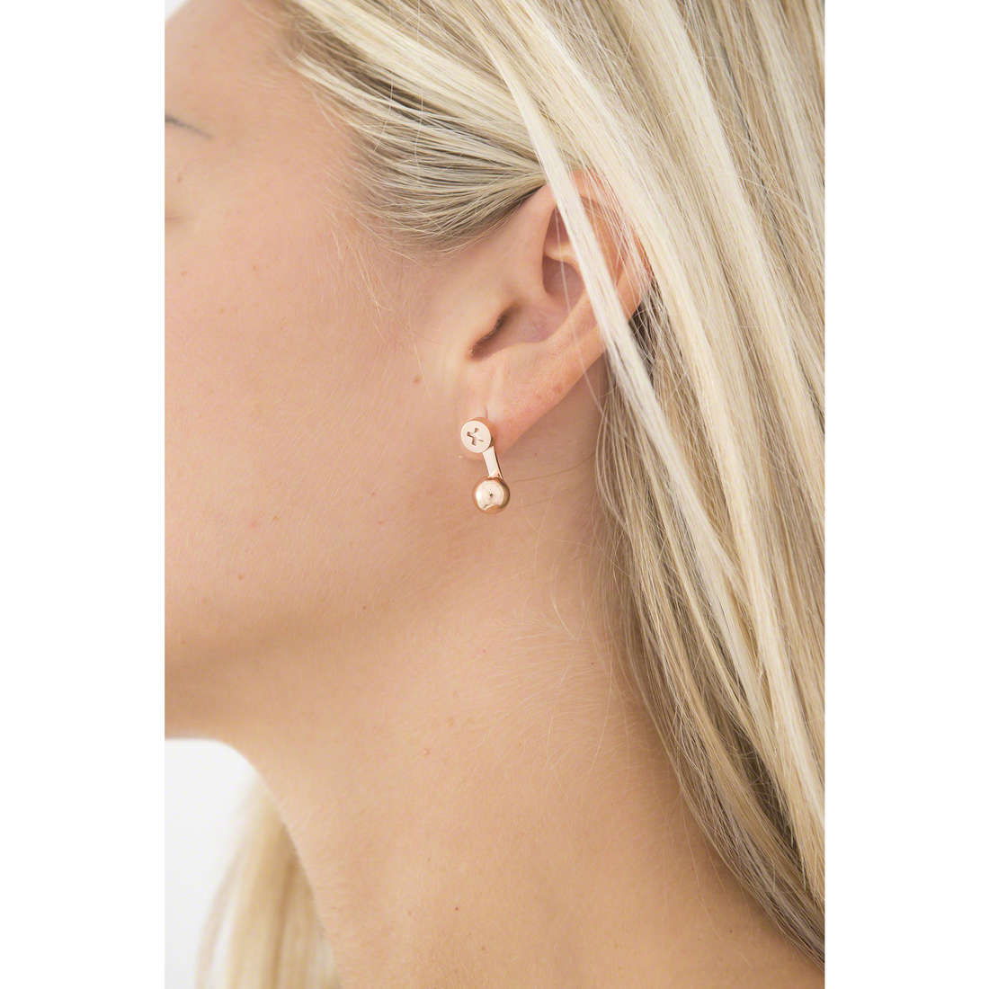 Emporio Armani earrings woman EGS2242221 indosso