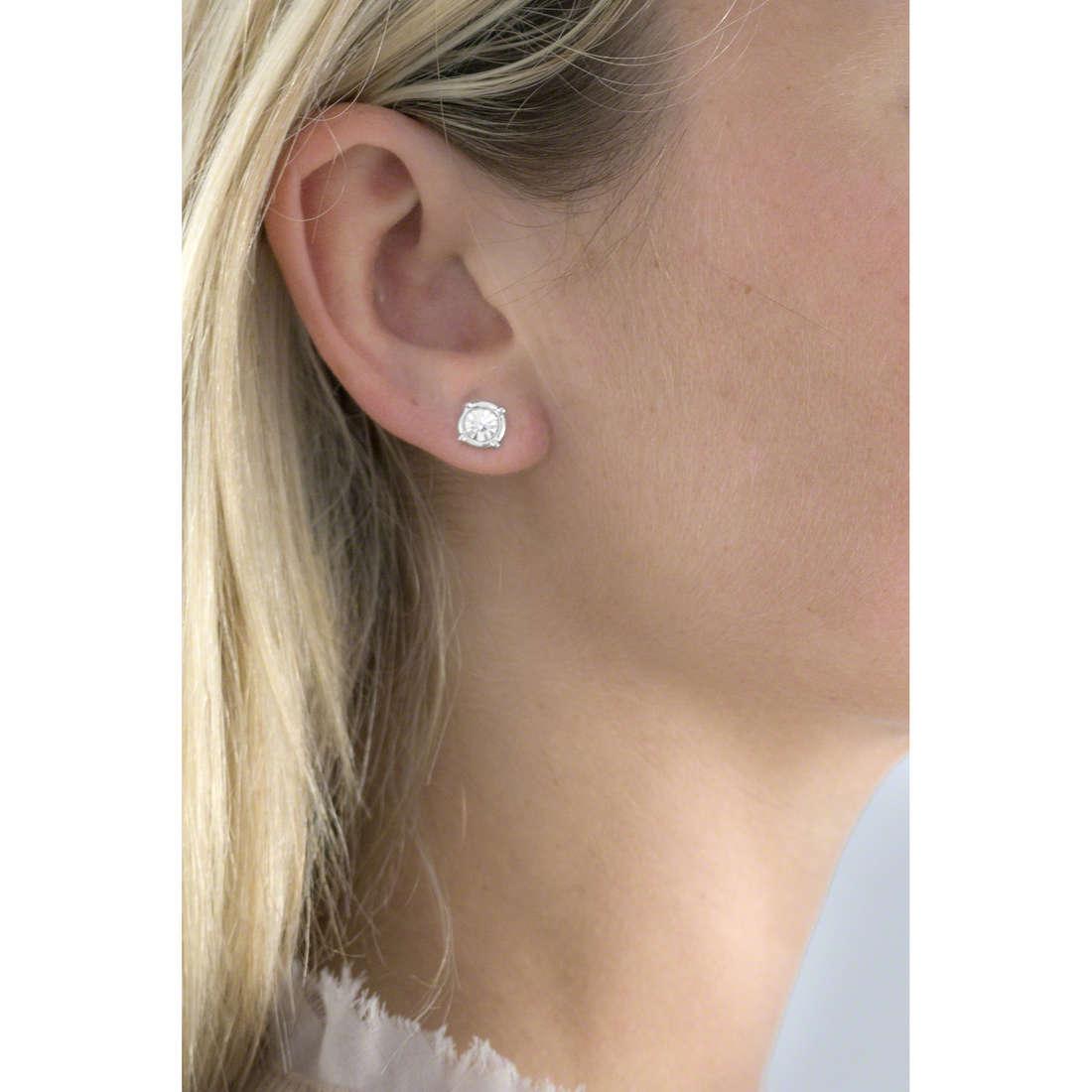 Guess earrings My Feelings 4U woman UBE61078 indosso
