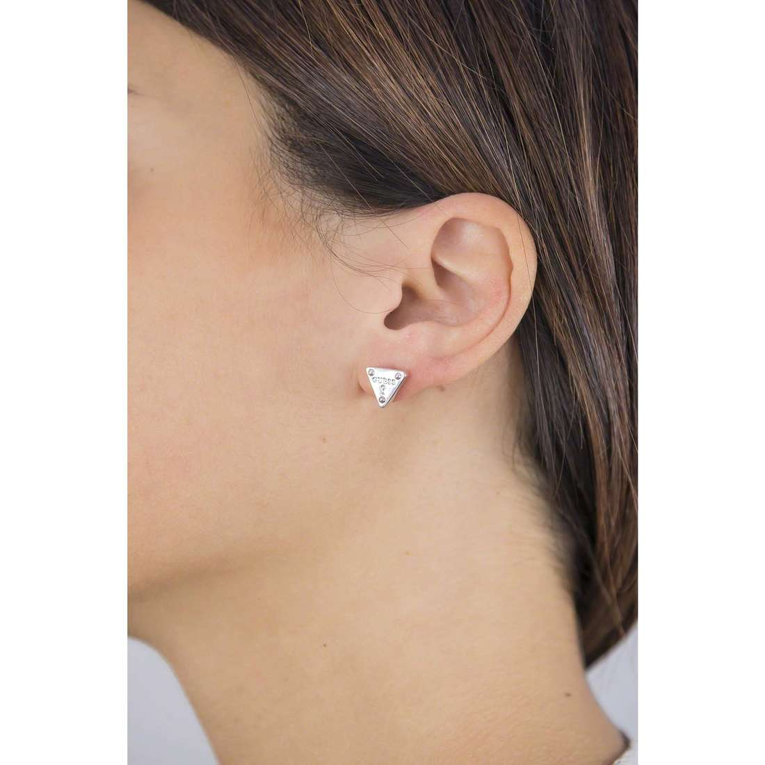 Guess earrings woman UBE61086 indosso
