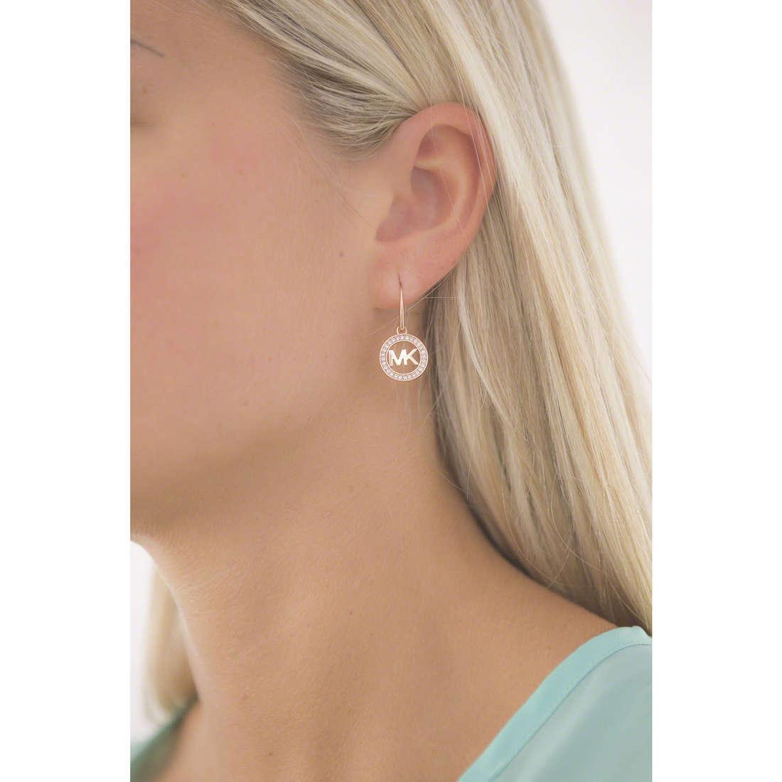 Michael Kors earrings woman MKJ4796791 indosso