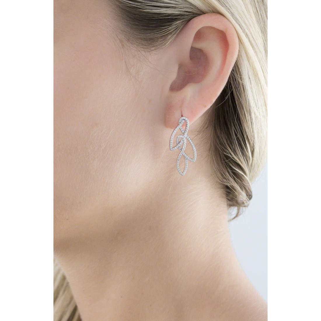 Morellato earrings 1930 Michelle Hunziker woman SAHA11 indosso