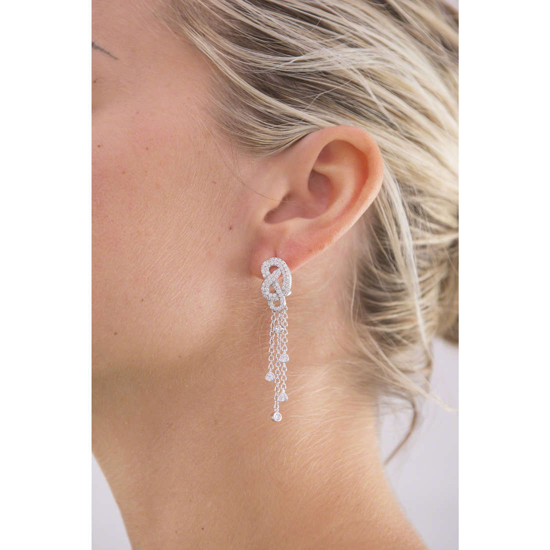 Morellato earrings Nododamore woman SAHN02 indosso