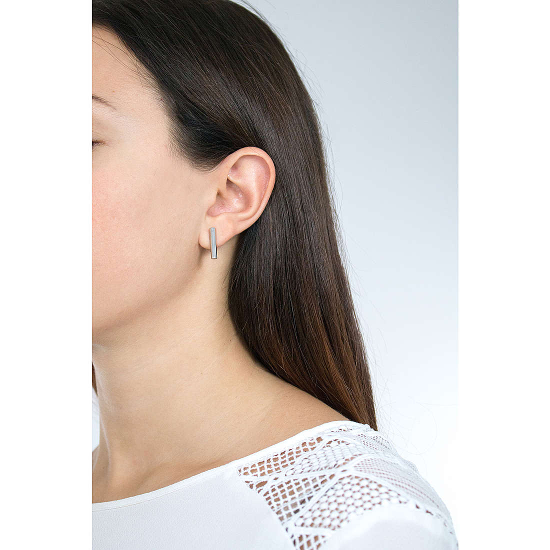 Skagen earrings woman SKJ0891040 photo wearing