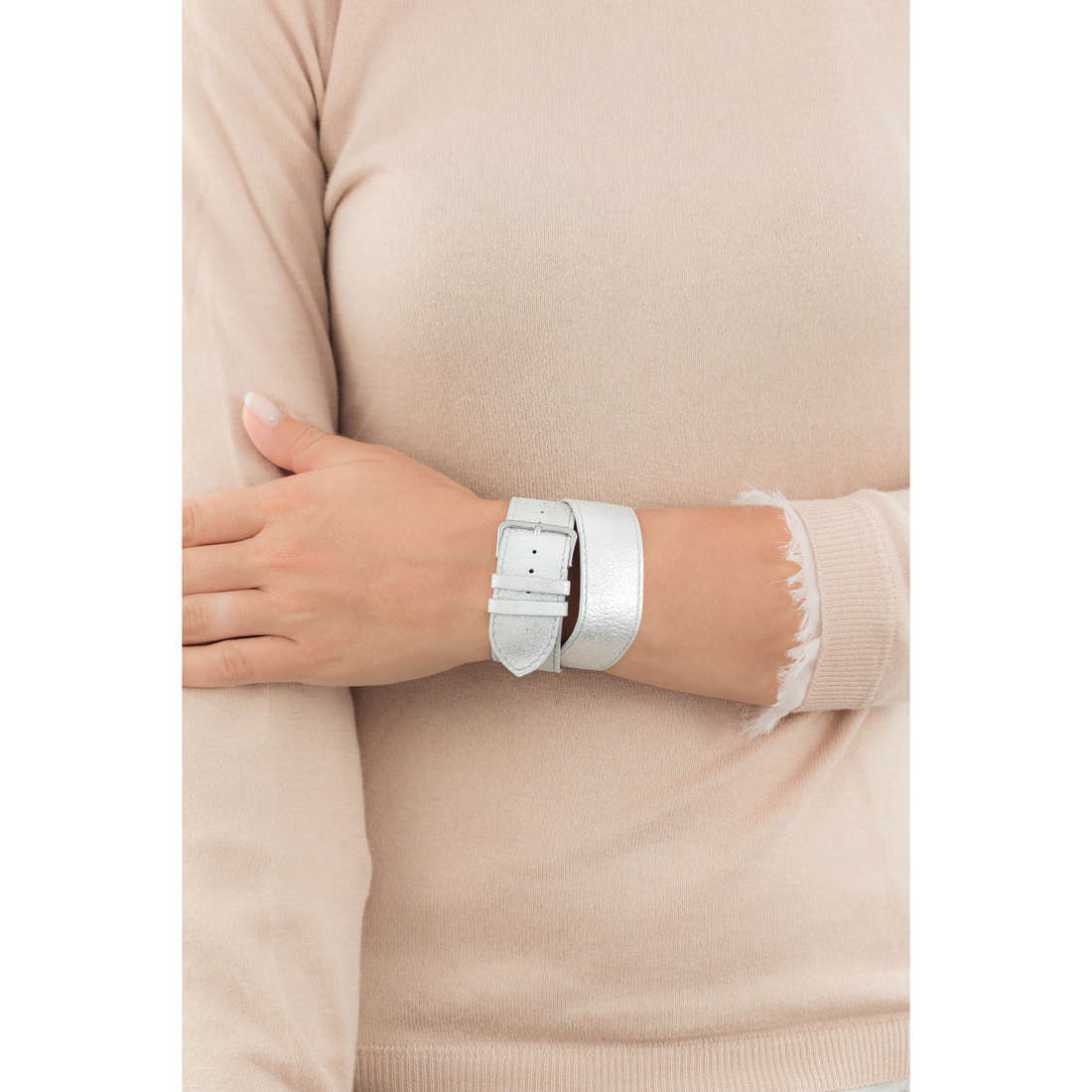 Breil bande de montres Infinity femme TWB0008 indosso