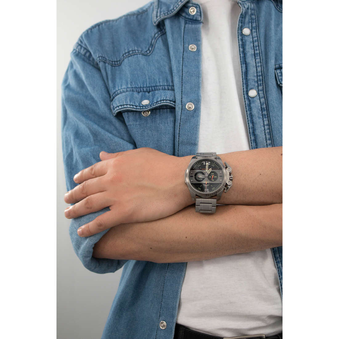 Diesel chronographes Ironside homme DZ4363 photo wearing