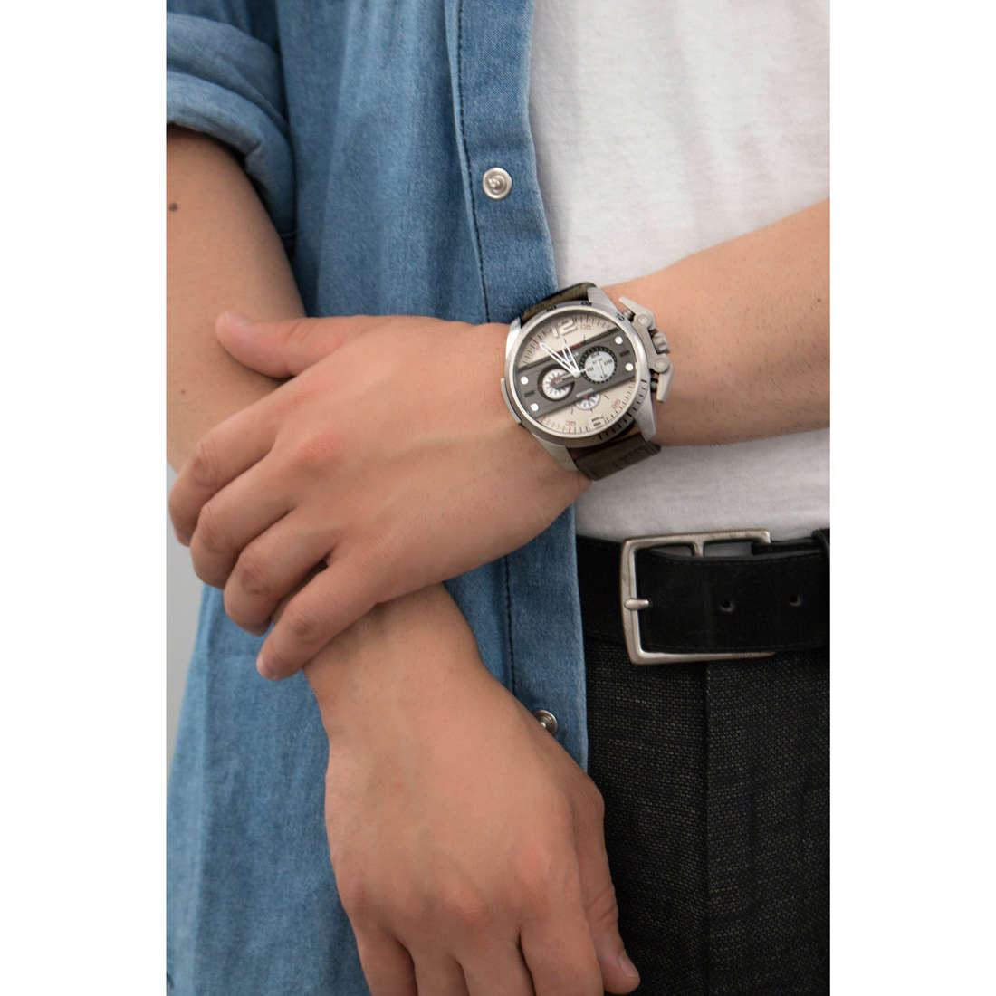 Diesel chronographes Ironside homme DZ4389 photo wearing