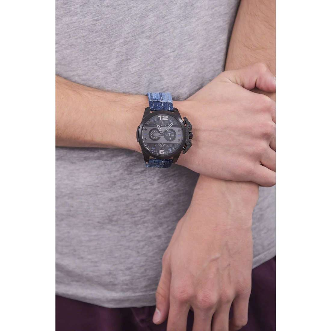 Diesel chronographes Ironside homme DZ4397 indosso