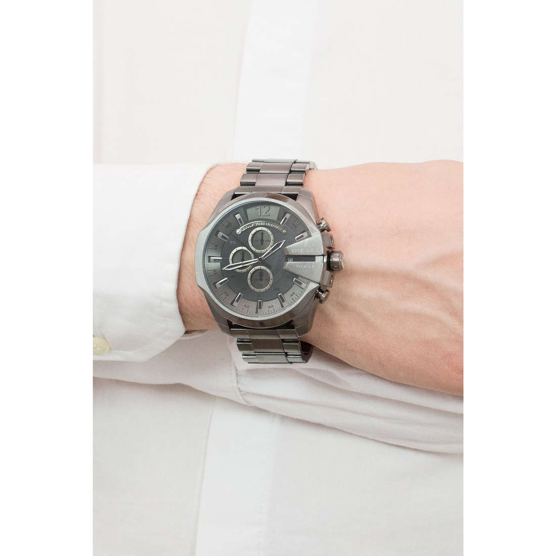 Diesel chronographes Mega Chief homme DZ4282 photo wearing
